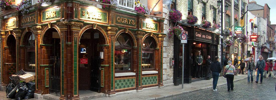 República de Irlanda. Su capital es Dublín, situada al este de la isla.